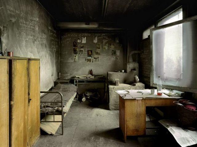 Сниться кімната: велика, маленька, брудна, чиста, біла, сіра, чорна кругла, дитяча, закрита, знімати кімнату — значення сну