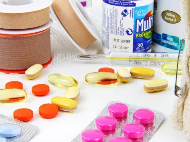 Які ліки потрібно взяти з собою в дорогу, на машині, на море з дитиною за кордон, вагітної: список необхідних ліків. Які ліки не можна перевозити через кордон? Які щеплення і де зробити для виїзду за кордон в екзотичні країни?
