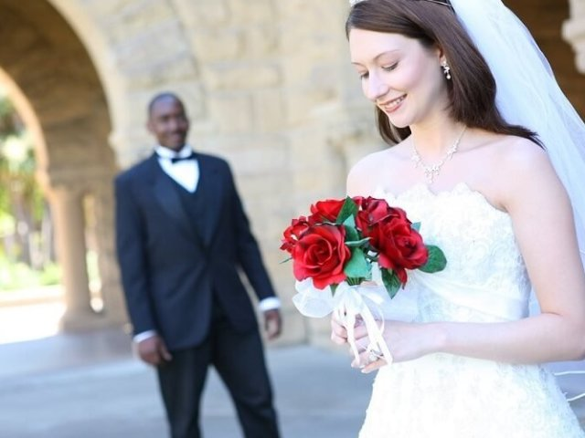 Як познайомитися з іноземцем і вийти за нього заміж? Заміж за іноземця: плюси і мінуси, відгуки
