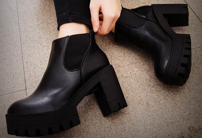 Топ-7 модних взуттєвих новинок на підборах в 2019-2020 році: 140 фото. Яке жіноче взуття на підборах наймодніша в 2019-2020 році: огляд модних моделей, модні поради