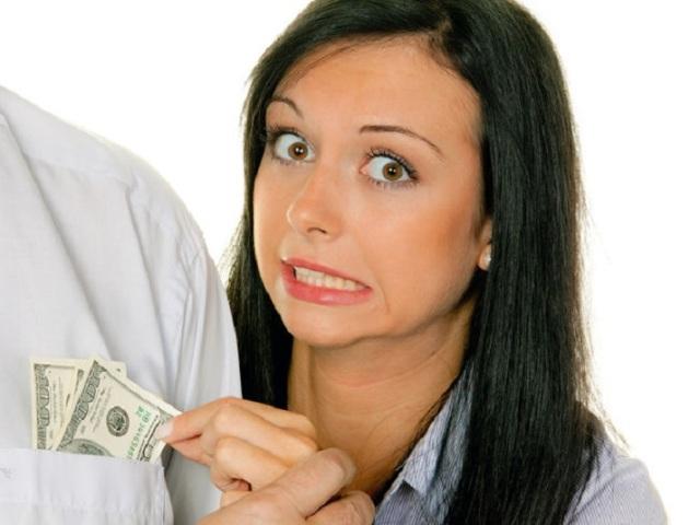 Чому дружина не хоче працювати після декрету, не влаштовується на роботу, не працює і нічого не робить? Як змусити дружину вийти на роботу? Що робити, якщо дружина не хоче працювати?
