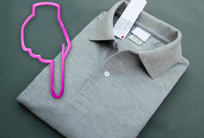 Як скласти футболку швидко, щоб вона не пом'ялася? Як згорнути футболку одним рухом: схема