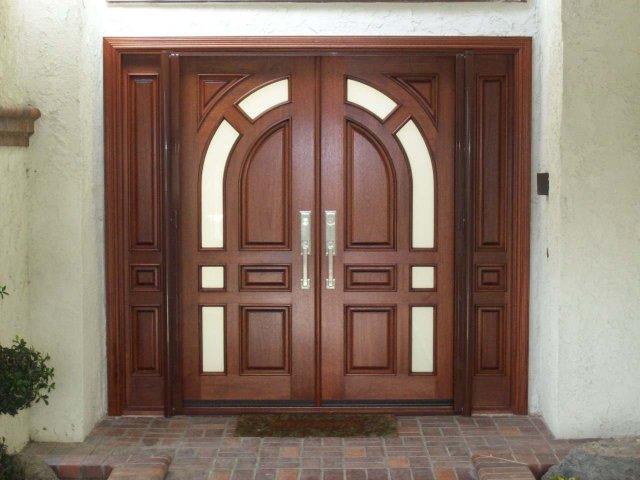 Як підібрати розмір вхідних дверей під отвір: поради фахівців, відповідність розмірів отвору та розмірів вхідних дверей з коробкою. Які бувають стандартні та мінімальні розміри вхідних дверей? Які розміри майданчика повинні бути перед вхідними дверима?