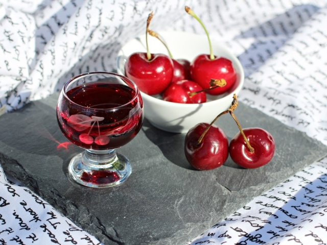 Синильна кислота в кісточках фруктів: чим шкідлива, як впливає на організм людини? Ознаки та симптоми отруєння синильною кислотою: опис. Можна отруїтися синильною кислотою від вишневого, сливового, абрикосового компоту, вина?