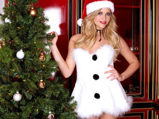 Коли потрібно, прийнято розбирати ялинку після Нового року: народні прикмети. Можна прибирати новорічну ялинку на Різдво, після Різдва? Скільки повинна стояти жива ялинка вдома після Нового року?