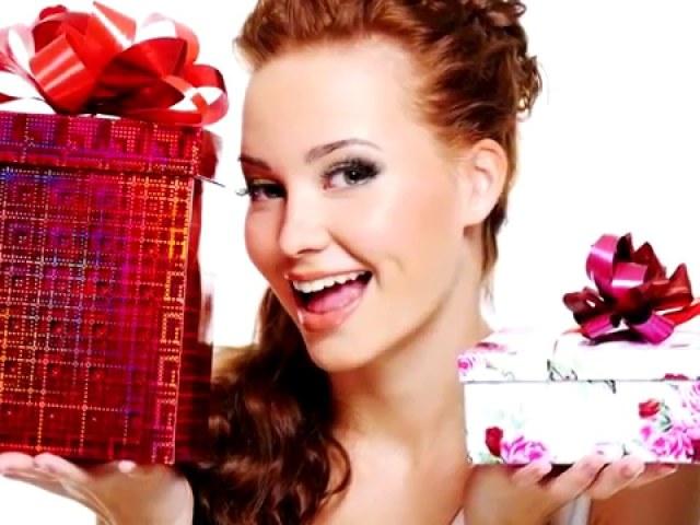Подарунки з Алиэкспресс на День народження: огляд, каталог, ціна, фото. Що подарувати на День народження з Алиэкспресс чоловікові, дружині, мамі, татові, подрузі, другу, сестрі, братові?