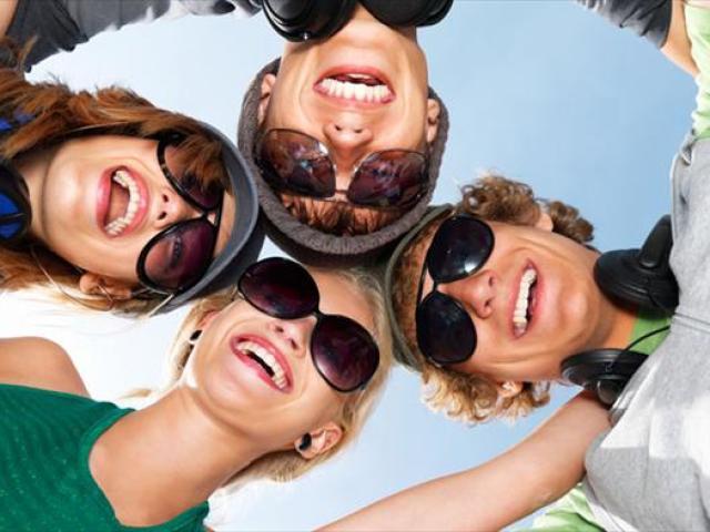 Де підібрати форму очок чоловікові й жінці по фото онлайн? Як підібрати сонцезахисні окуляри і окуляри для зору з фото онлайн безкоштовно?