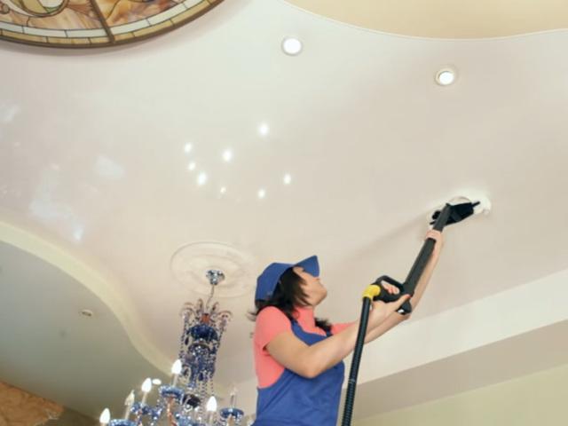 Як і чим мити натяжні стелі, глянцеві, матові без розлучень в домашніх умовах: способи, миючі засоби. Як і чим мити тканинні натяжні стелі, сатинові, бавовняні?
