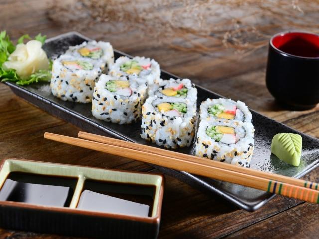 Чим відрізняються суші від ролів, що краще, смачніше? Калорійність суші та ролів: таблиця