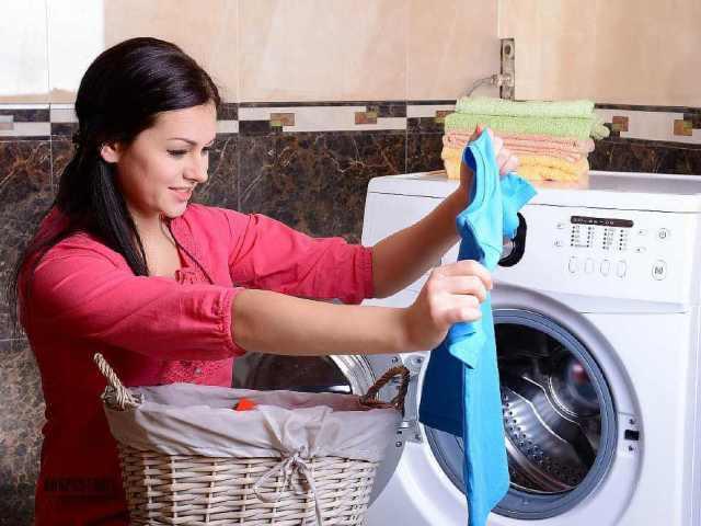 Злиняла річ при пранні: як повернути їй колишній вигляд? Що робити, якщо злиняла кольорова, біла річ, як відновити колір полинявшей речі? Запобіжні заходи линяють при пранні речей: поради