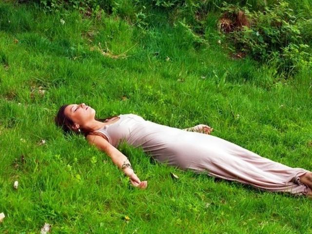 Як розслабитися, знизити градус напруги: загальні методи, методика професора Шульца, ароматерапія, поради. Як навчитися розслаблятися на роботі, перед сном?