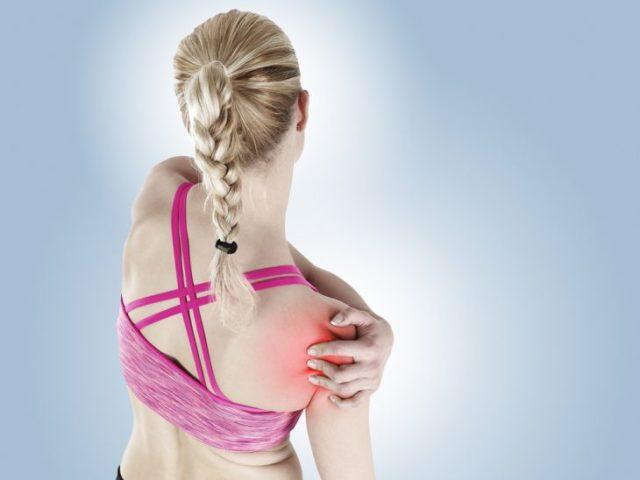 Вивих плечового суглоба: причини, симптоми, долікарська допомога і лікування