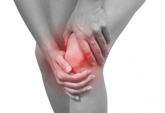 Набряк колінного суглоба: причина появи, лікування, профілактика