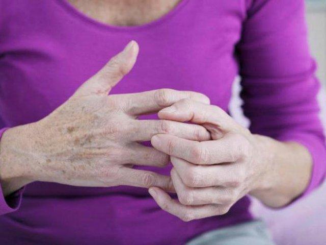 Шишки на суглобах: причини утворення, медикаментозне лікування, народні засоби, профілактика появи шишок на суглобах