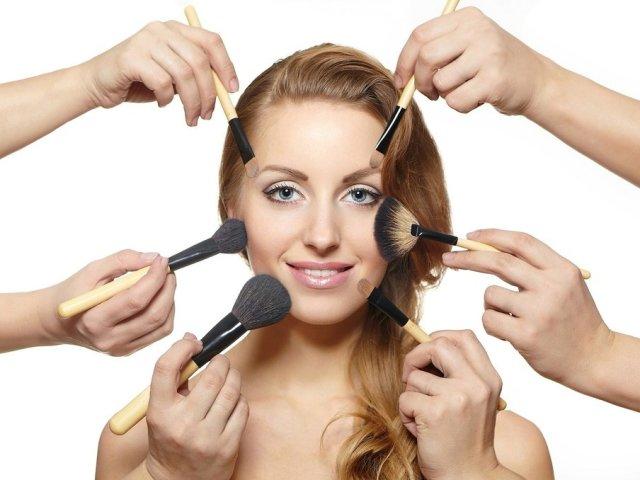 10 найпоширеніших помилок в макіяжі, які старять обличчя дівчини, жінки