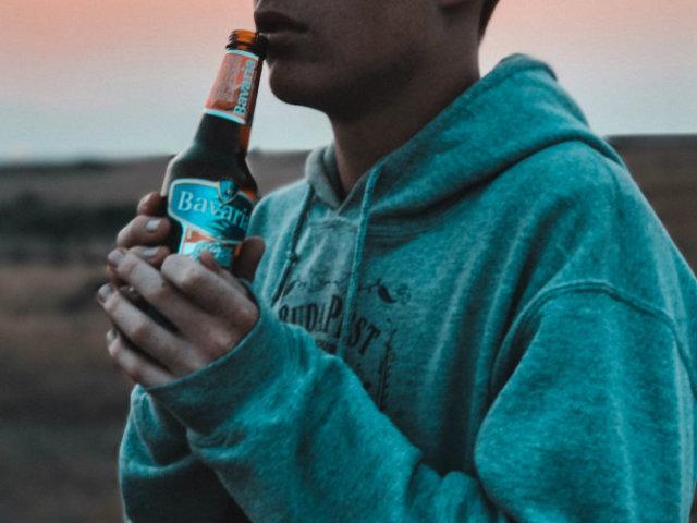 Що буде відбуватися в організмі, якщо пити горілку, міцний алкоголь по пляшці, 100 грамів в день, кожен день, випити багато алкоголю одразу?