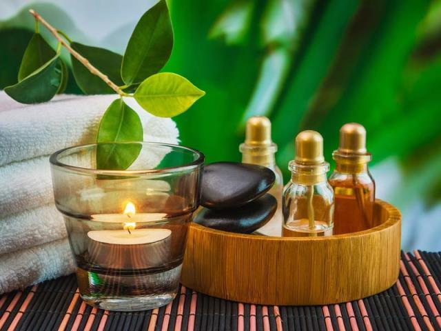 Ефірні масла для лазні та сауни — дезінфікуючі, заспокійливі, лікувальні, тонізуючі, збуджуючі: способи застосування, рецепти ароматичних сумішей, важливі правила використання