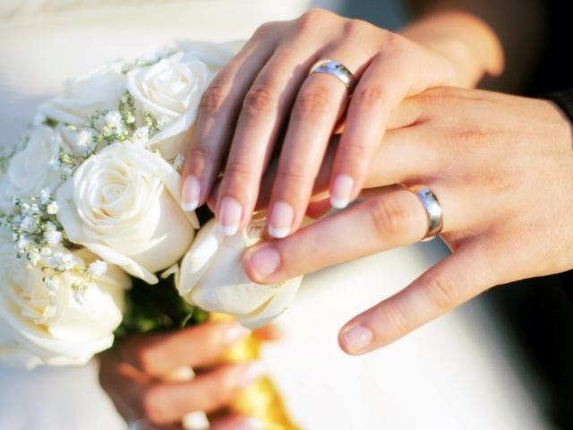 Перероблені сучасні пісні на весілля — слова: найкраща підбірка. Пісня-переробка – привітання на весілля від друзів, батьків, для молодих, для мами нареченої