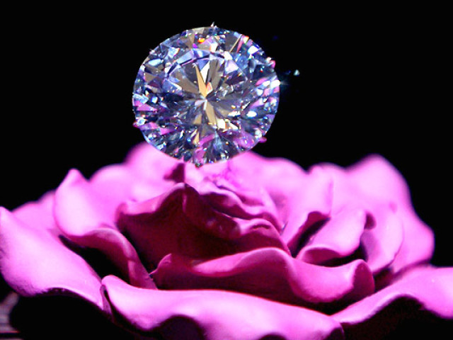 Діамант: значення, магічні і лікувальні властивості, прикмети, кому підходить? Властивість діамантів в золоті, чорного діаманта для жінок і чоловіків за знаками зодіаку. Кому не можна носити діаманти?