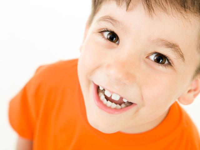 Неправильний прикус у дитини. Як вирівняти зуби? Вирівнювання зубів брекетами, каппой. Виправлення прикусу без брекетів