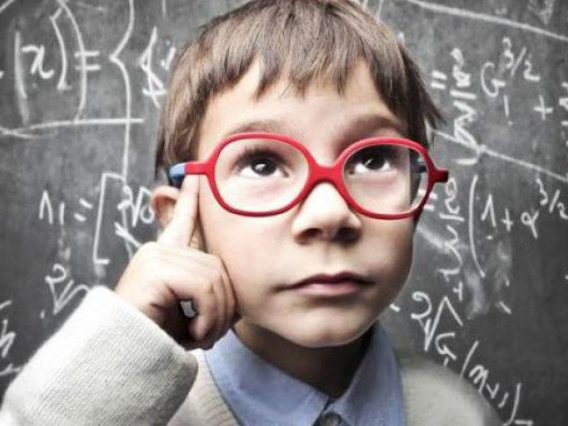 Як відрізнити розумної людини від дурного: ознаки розумного і дурного людини. Як зрозуміти, що ти розумний? Від чого залежить: розумна людина чи ні?