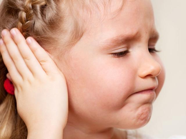 Що таке золотуха у дорослих і дітей за вухами: симптоми, ознаки, причини, лікування. Як лікувати золотуху у дорослих і немовлят?