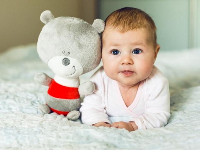 Що повинен знати і вміти дитина в 1 рік — фізичний і психомоторний розвиток, емоційний стан, розвиток мови і здібності дитини: список навичок