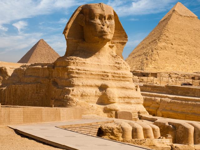Таємниці єгипетських пірамід: цікаві факти. Як звали фараонів, яким були побудовані єгипетські піраміди? Яким фараона була побудована найбільша єгипетська піраміда?