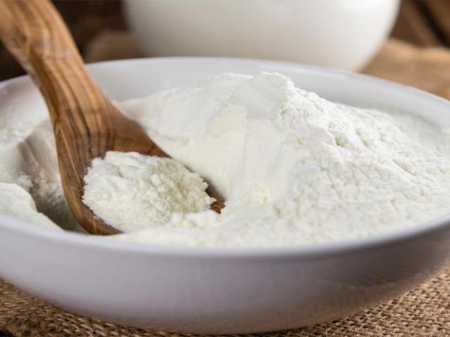 Що таке сухе молоко, як його використовувати? Як розводити сухе молоко?