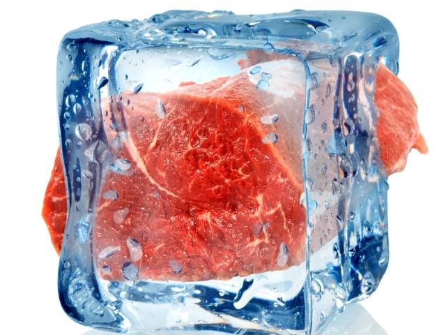 Як швидко розморозити м'ясо в домашніх умовах: способи розморожування м'яса. Як правильно розморозити м'ясо в мікрохвильовці, без мікрохвильовки, в мультиварці, духовці, воді, холодильнику, при кімнатній температурі, для шашлику: поради та рекомендації