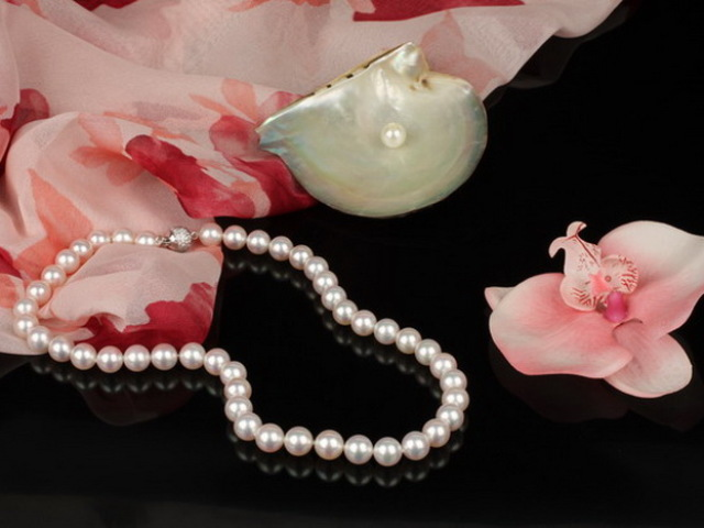 Як відрізнити справжній, натуральний перли від штучного, підробки, біжутерії: способи перевірки на достовірність в домашніх умовах. Як виглядає справжній перли: опис, фото