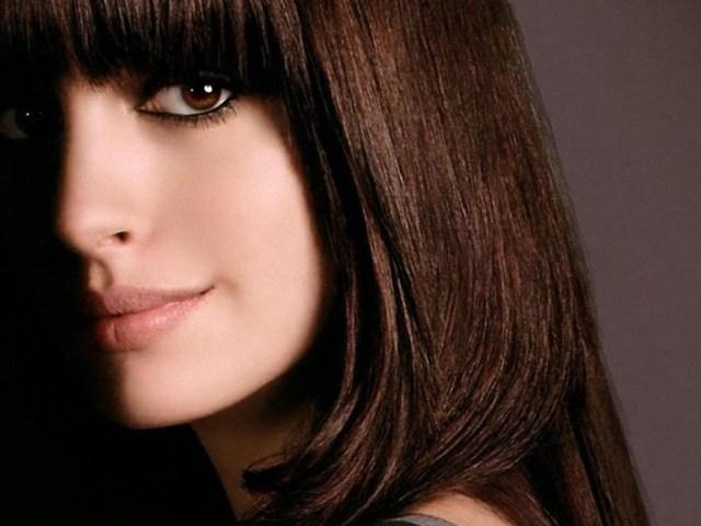 Як отримати темно-коричневий колір волосся при фарбуванні з холодним і теплим відтінком: фарби рекомендовані для волосся, народні рецепти фарбування, палітра відтінків. Кому йдуть темно-коричневі волосся? Темно-коричневий колір волосся: молодить або стари