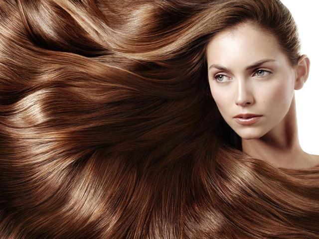 Як отримати світло-коричневий колір волосся при фарбуванні з холодним і теплим відтінком: фарби рекомендовані для волосся, народні рецепти фарбування, палітра відтінків. Кому йдуть світло-коричневе волосся? Світло-коричневий колір волосся: молодить або ст