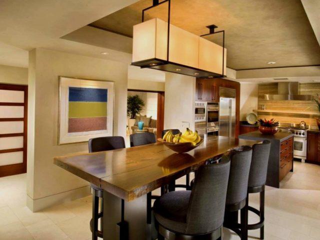 Як почистити меблі на кухні від жиру? Як очистити дерев'яні меблі спеціальними засобами та народними методами? Як очистити дерев'яну меблі в будинку сіллю, олією, вазеліном, картоплею?