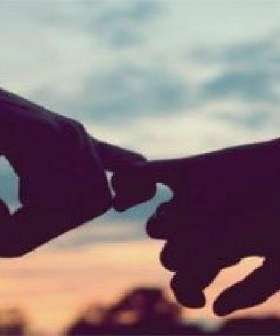 Статуси про розбиту любов зі змістом, красиві, сумні, цікаві для соціальних мереж: список