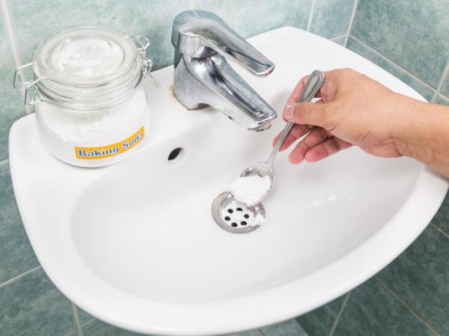 Оцет і сода для прочищення труб: правила застосування — як використовувати? Як прочистити труби содою і оцтом з сіллю, перекисом водню, окропом?