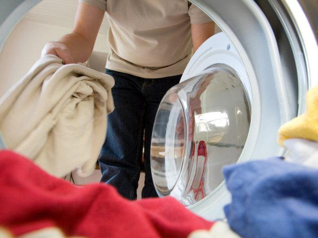Чи можна і як прати пальто в пральній машині? Як правильно випрати пальто з кашеміру, драпу, вовни в домашніх умовах: інструкція, корисні поради