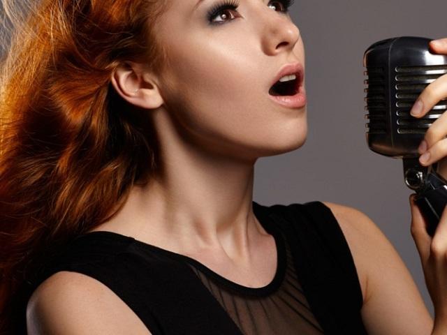 Як навчитися співати в домашніх умовах: вправи для дихання, слуху, голосу, поради