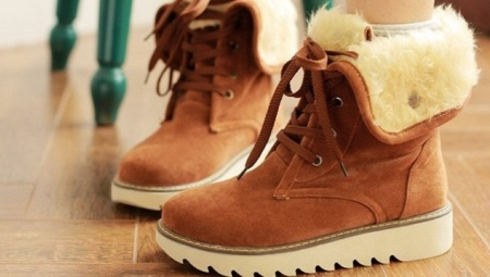 Жіночі зимові черевики на товстій підошві
