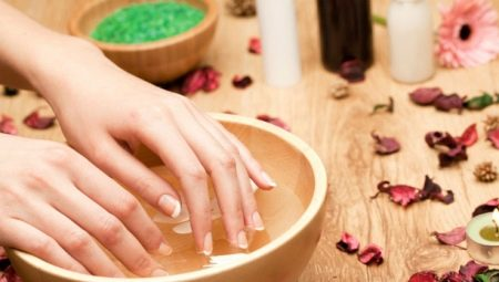 Ванночки для нігтів: користь, шкоду і рецепти