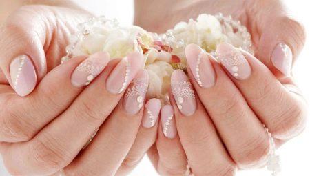 Манікюр з покриттям нігтів