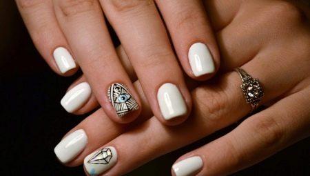 Дизайн білого манікюру для коротких нігтів