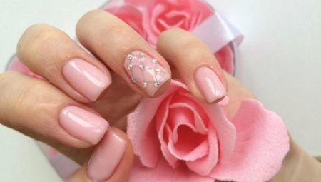 Ідеї для створення стильного манікюру в рожевих тонах