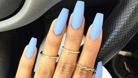 Матовий блакитний манікюр – елегантність і простота