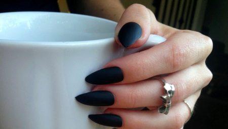 Гострі чорні нігті: модні варіанти і оригінальні ідеї