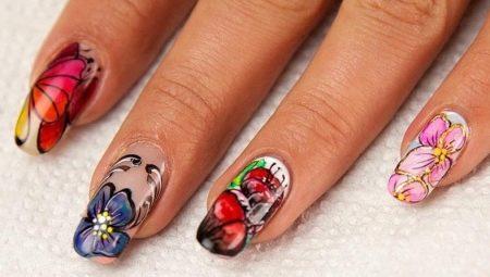 Особливості акварельного розпису нігтів