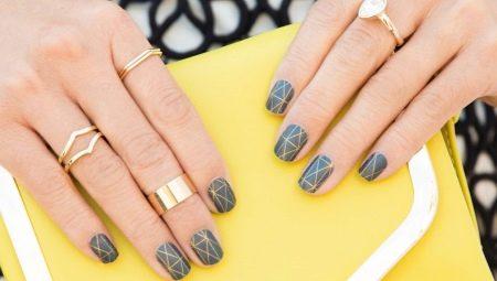Дизайн нігтів за допомогою сірого гелю-лаку