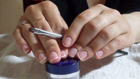 Особливості покриття нігтів гелем без нарощування