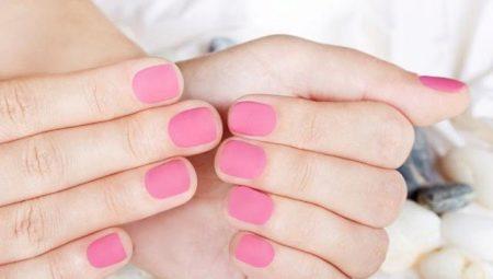 Рожевий колір в манікюрі шелаком