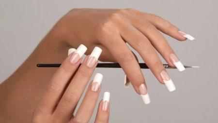 Особливості нарощування нігтів акрилом